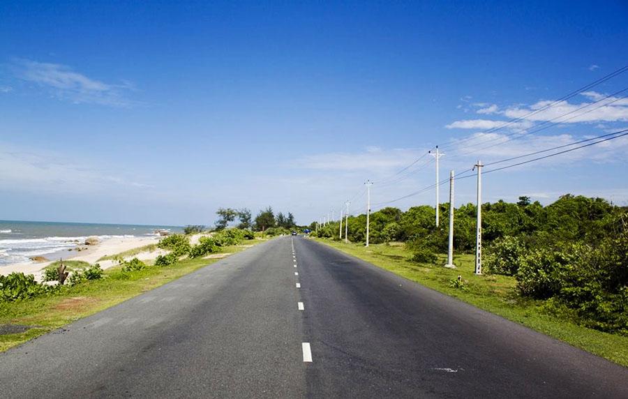 Đường ven biển ra Long Hải