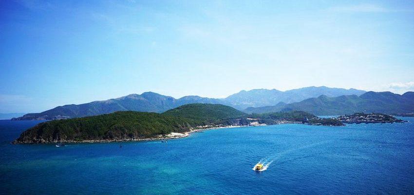 team building bãi biển Nha Trang